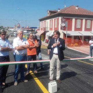 Il sindaco Fabrizio Brignolo inaugura il nuovo ponte sul Versa